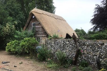 Garden Outbuilding Re-Thatch - Tunstall, Sittingbourne